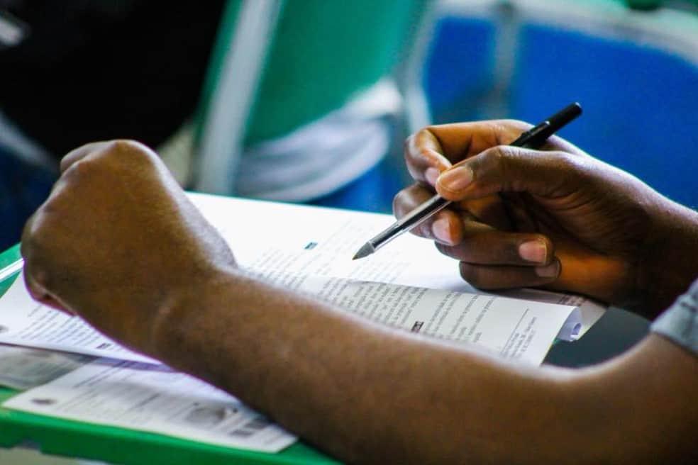 Santa Catarina reúne três concursos públicos com salários de até R$17 mil
