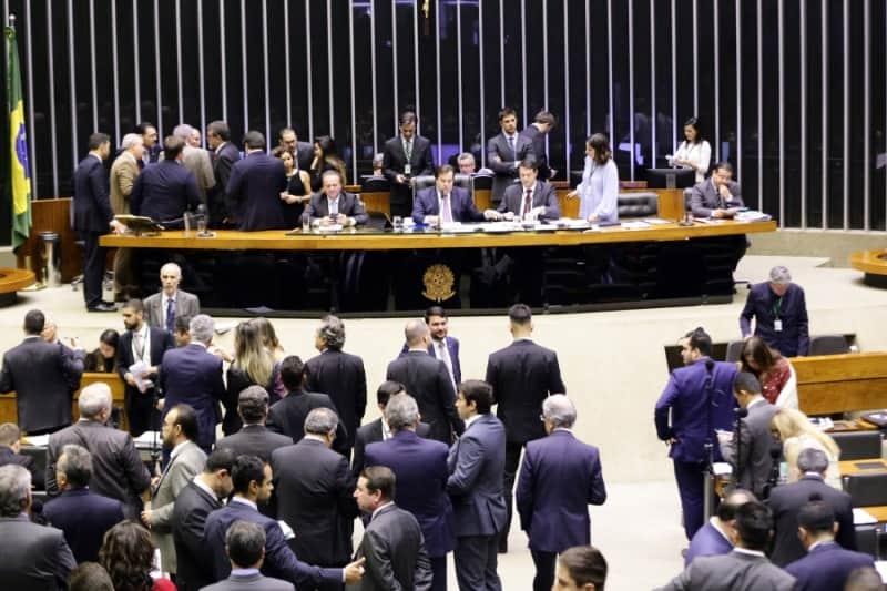 Pauta do Bolsa Família desorganiza votações no Senado