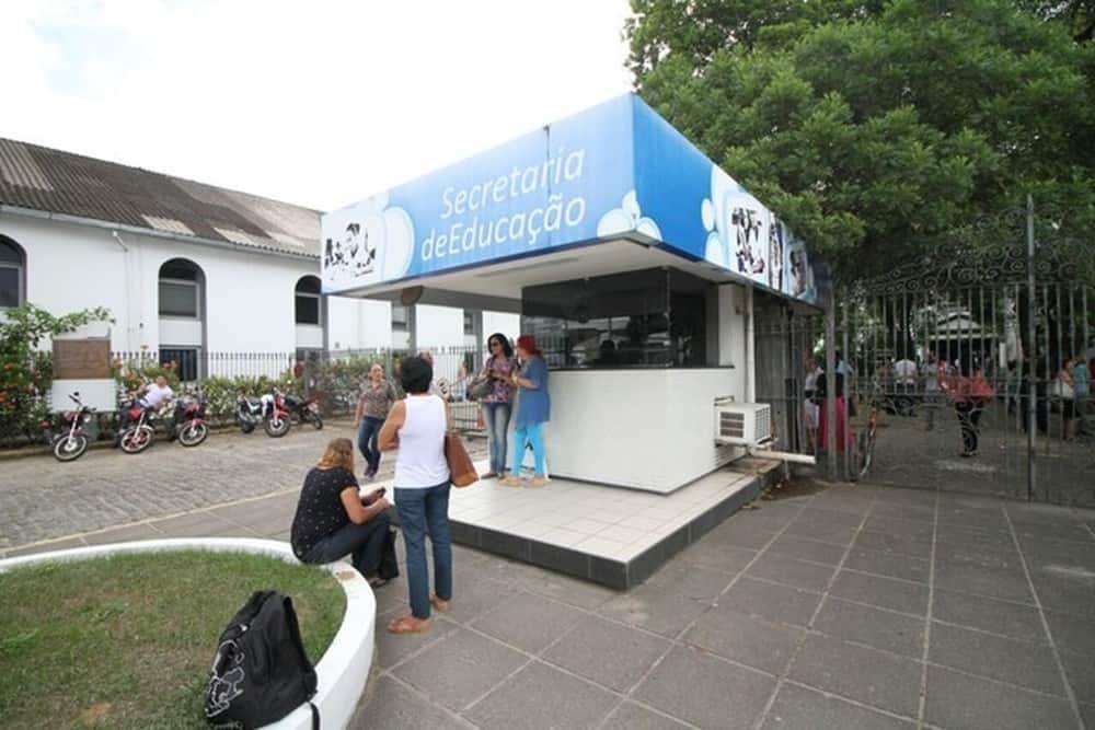 Vagas de emprego em Pernambuco: mais de 2,9 mil chances na educação (Foto: Reprodução - Google)