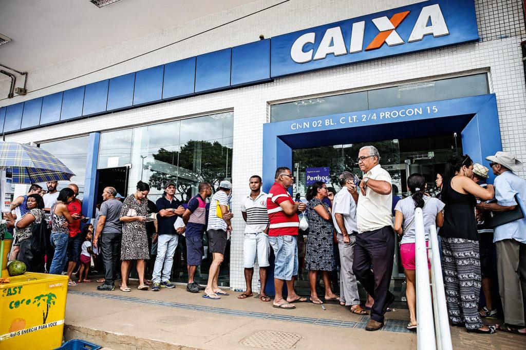 Auxílio emergencial: ESTAS cidades tomaram atitudes sobre filas na Caixa