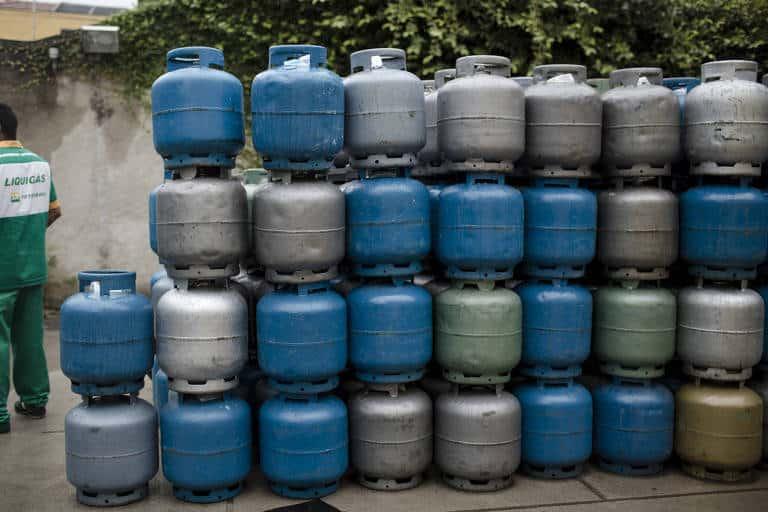 CRISE! Gás de cozinha em SP diminuí número de botijões e preço sobe (Imagem: Reprodução - Google)
