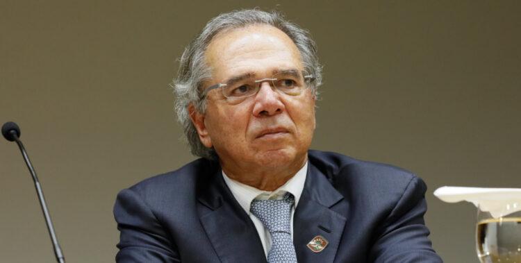 Alíquota de cobrança do IRPJ deve ter redução a partir de 2022, promete Guedes