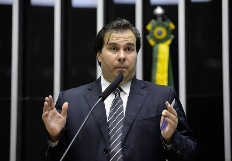 Maia faz previsão e tem data para liberar auxílio de R$600 aos trabalhadores (Wilson Dias/Agência Brasil)