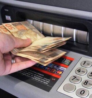 Auxílio de R$600 pode ser sacado na lotérica e caixa eletrônico; saiba as regras