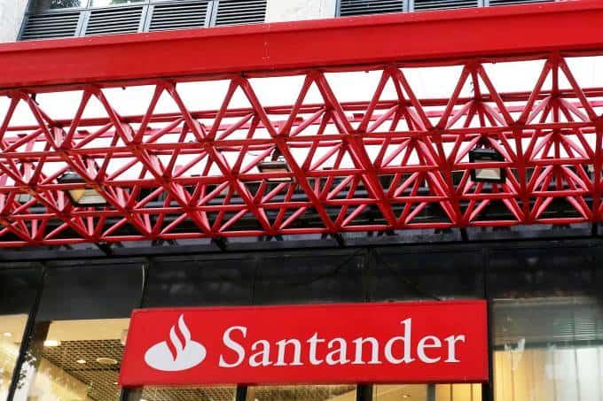 Santander anuncia novo prazo para pagar financiamento de automóvel