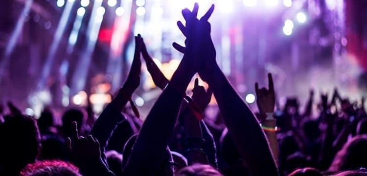 Veja as novas regras para cancelar ingresso em shows e eventos culturais (Imagem: Reprodução - Google)