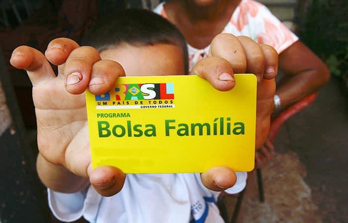 Bolsa Família DUPLICA salário e milhões de famílias são beneficiadas (Imagem: Reprodução - Google)