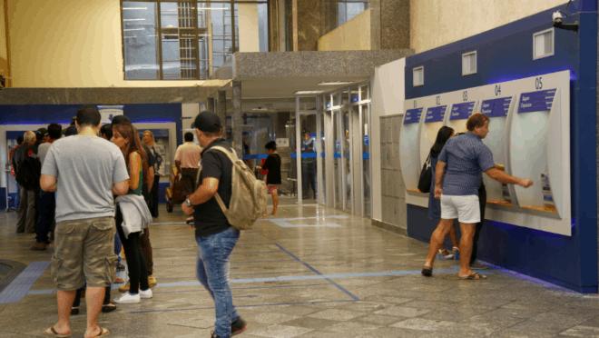 Agências da Caixa em Manaus diminuem fluxo de pessoas; Veja como usar serviços