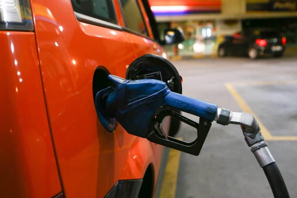 Apesar da redução do valor dos combustíveis, saiba porque o desconto não chega no SEU bolso!