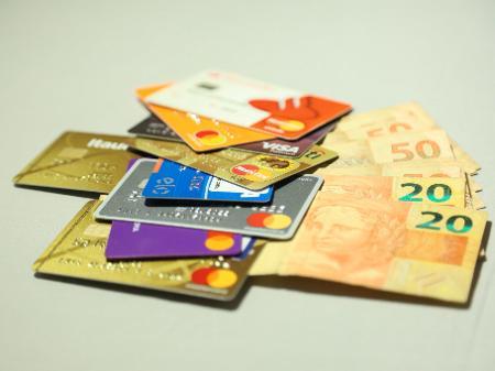 Crédito ao comércio repassado por credenciadoras soma R$62 bilhões