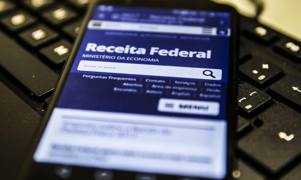 Imposto de Renda 2020 paga primeiro lote da restituição nesta sexta-feira (Imagem: Reprodução - Google)
