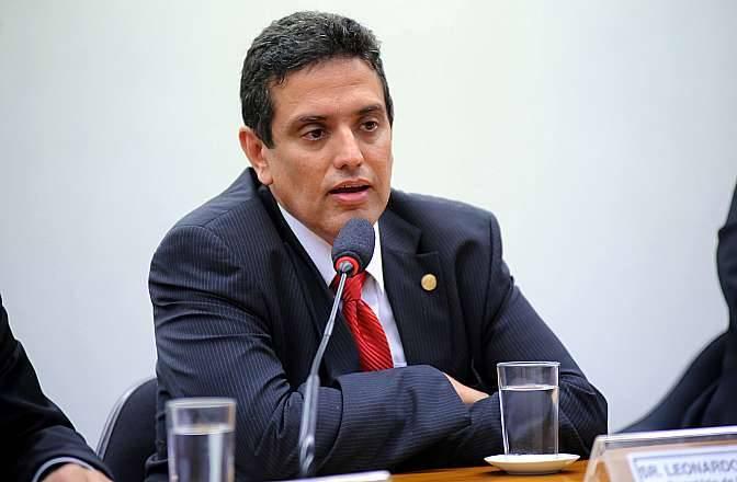 Presidente do INSS alega que peritos estão mentindo para não retornarem ao trabalho