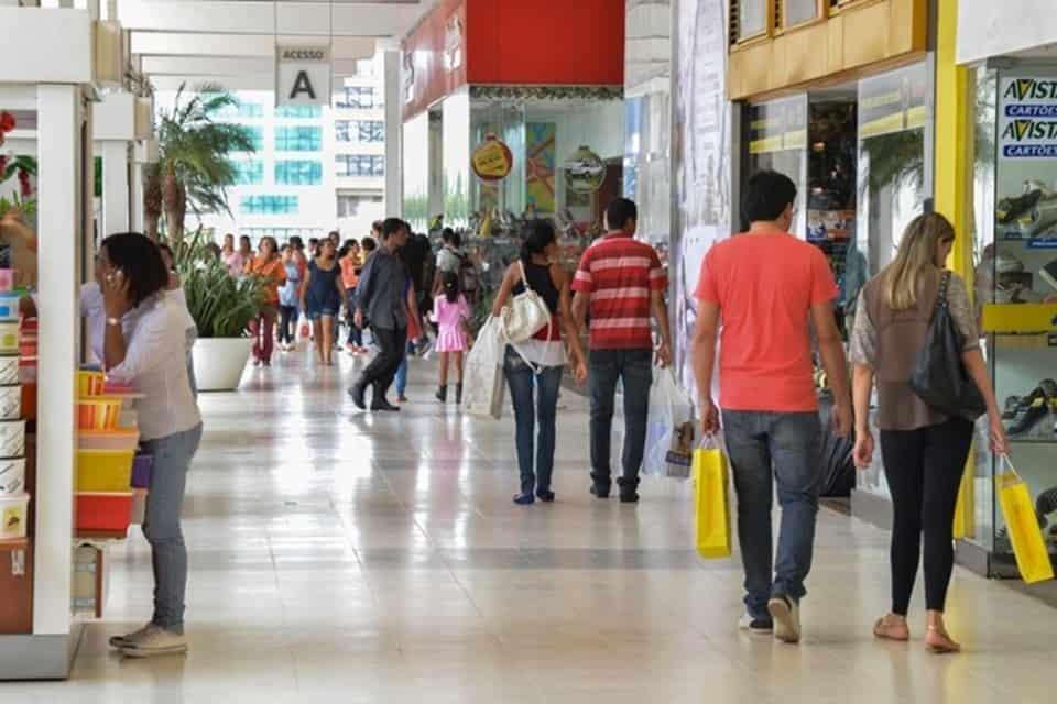 Shoppings criam horário ESPECIAL de funcionamento para compras de Natal e Ano Novo