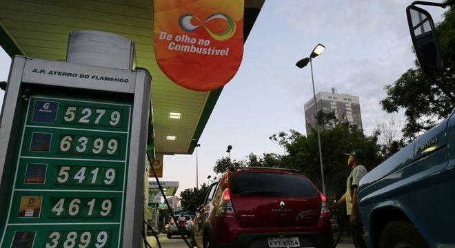 Preço do diesel é reajustado em 8%; entenda o impacto no SEU bolso! (Imagem: Reprodução - Google)