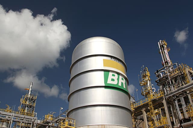 Petrobras anuncia novo reajuste no valor do gás de cozinha; confira!