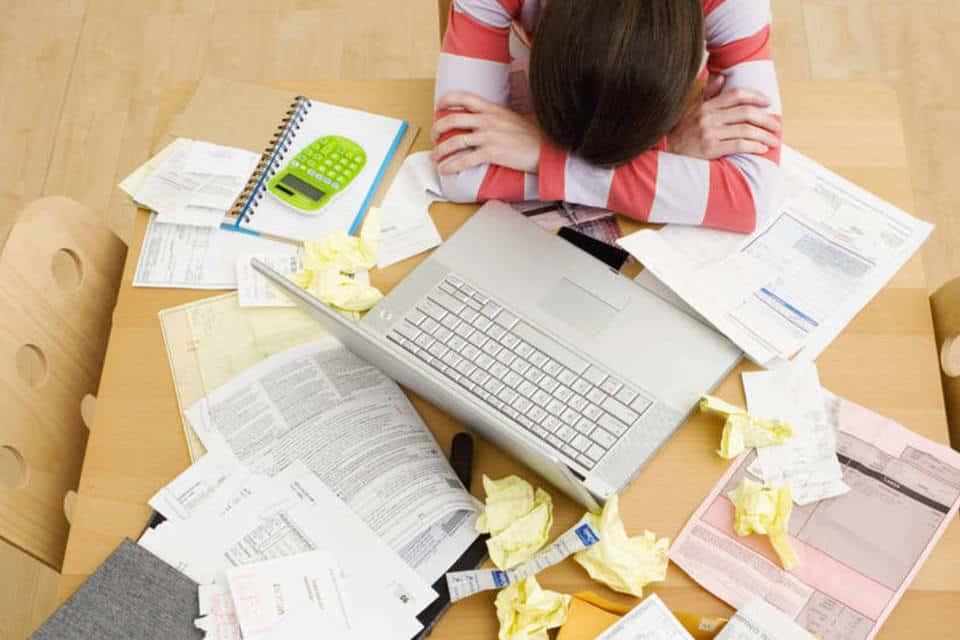 Inadimplência de famílias atinge taxa surpreendente; como manter as dívidas em dia? (Foto: Google)