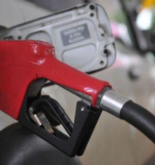 Preço do diesel estabiliza e caminhoneiros REAGEM