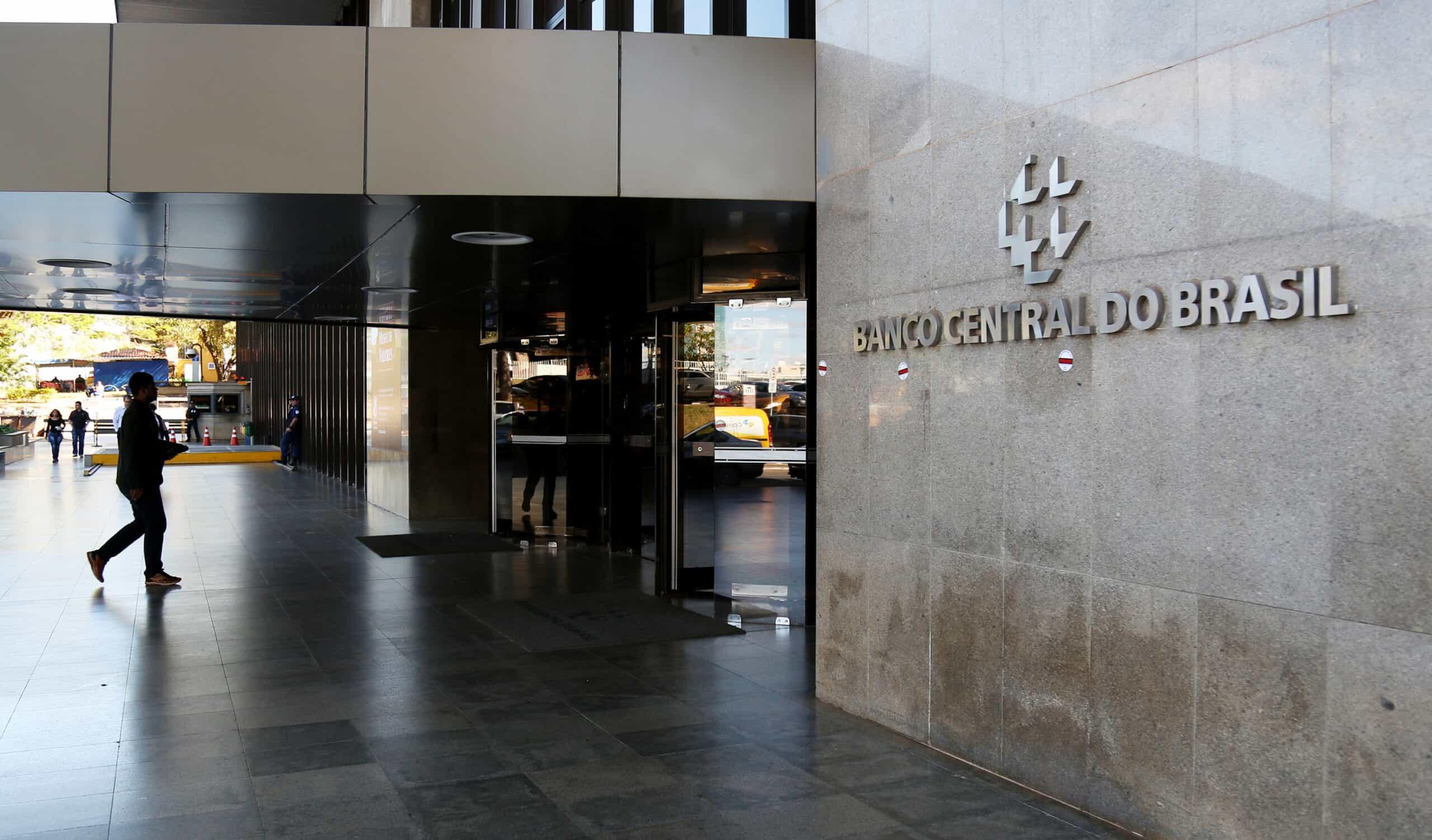 Mercado de trabalho ainda não se recuperou da crise, diz Banco Central