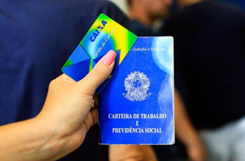 Caixa e BB adiam pagamento do PIS/PASEP de julho para início de 2022 (Imagem: Minne Santos)