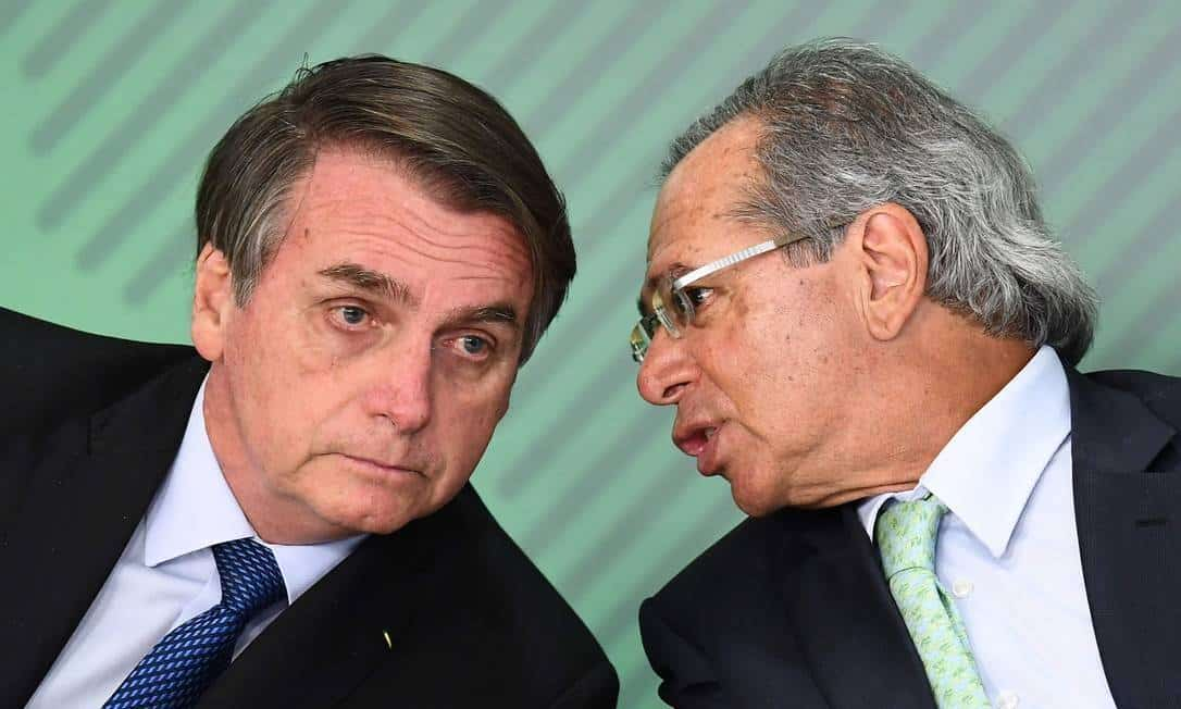 Senado vai contra decisão de Bolsonaro e derruba veto de reajuste no salários dos servidores