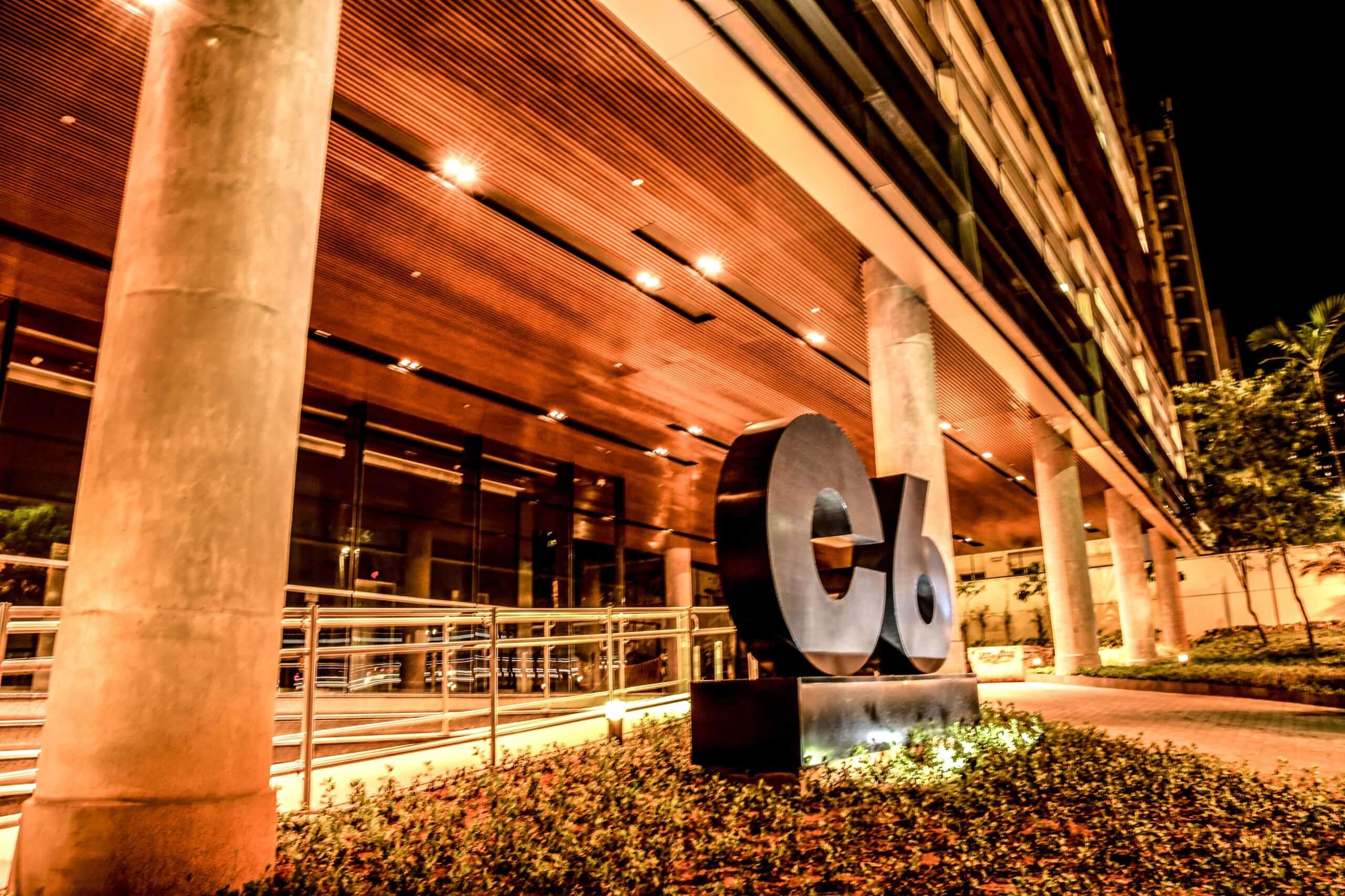 Bradesco deve anunciar compra de parte do C6 Bank nos próximos dias (Imagem: Reprodução - Google)