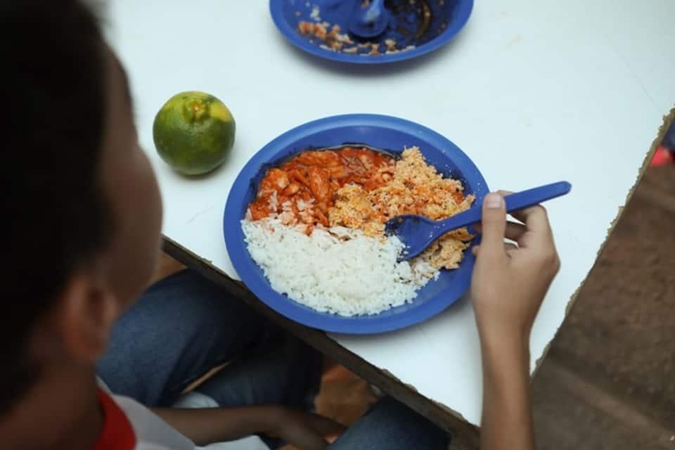 Auxílio merenda ganha NOVA prorrogação no estado de SP; veja como pode receber (Imagem: Reprodução/Google)