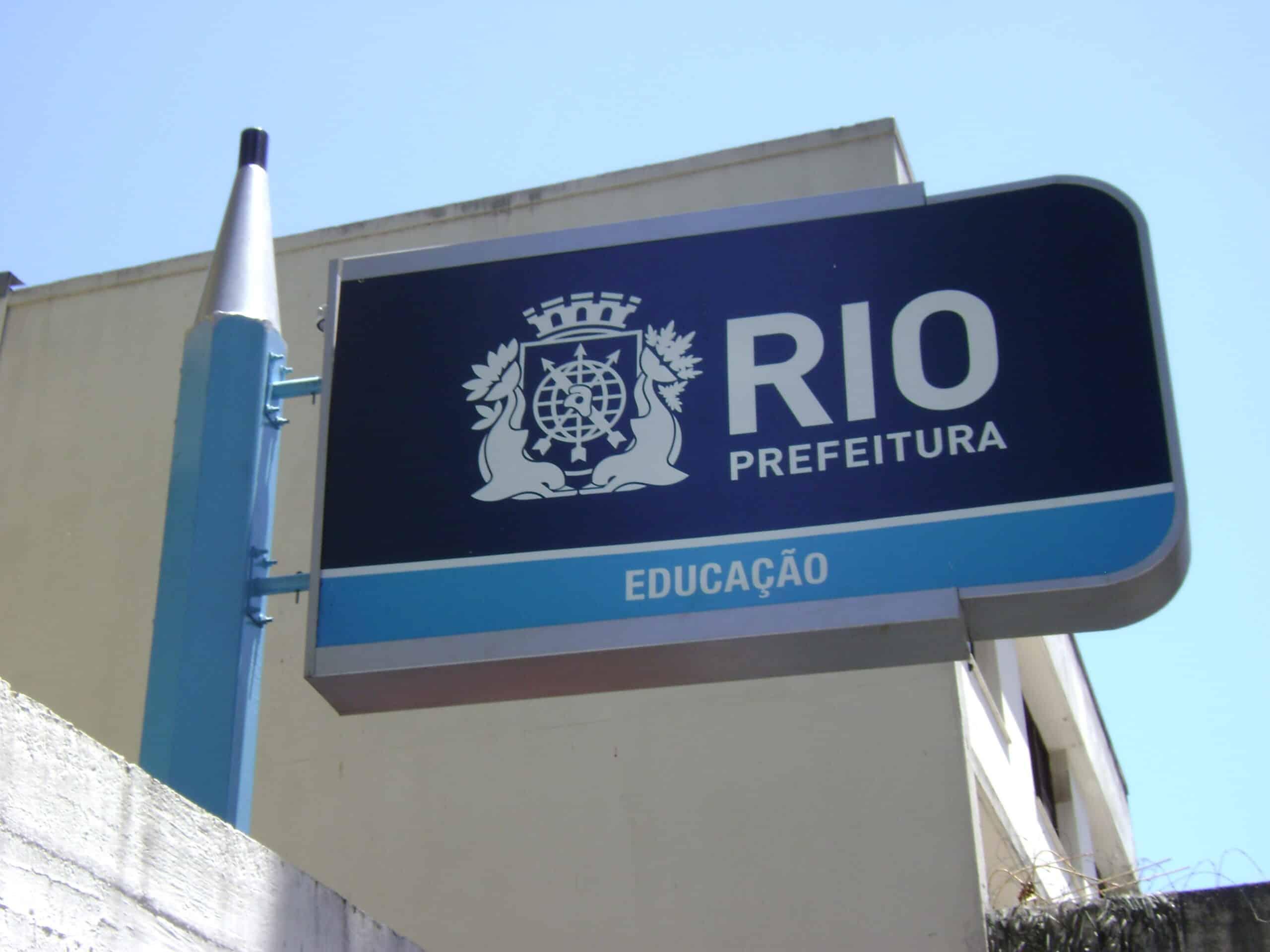 Escolas particulares do RJ criam enquete para debater início das aulas presenciais (Imagem: Reprodução - Google)