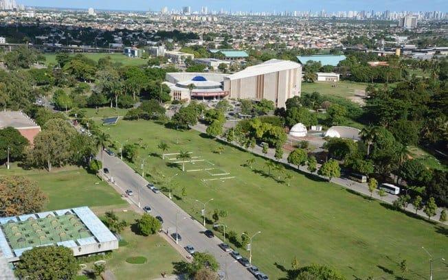 Corte de R$ 1 BILHÃO na educação afeta assistência de universidades federais (Imagem: Reprodução/Diário de PE)