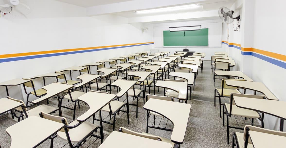 Pernambuco autoriza volta das aulas no ensino superior e suspensão para ensino básico