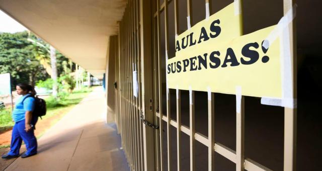 Prefeitura de São Paulo fala em aulas em dezembro, finais de semana e início do próximo ano letivo (Imagem: Google)