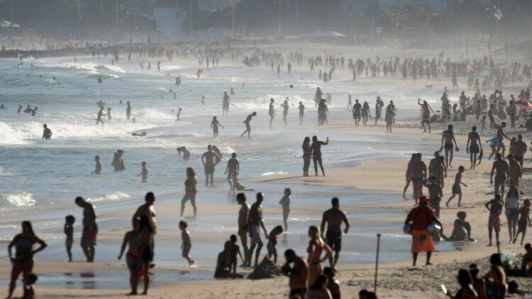 Réveillon 2021 na praia: Como as cidades do litoral paulista estão se preparando?