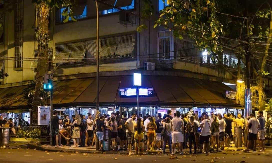 Belo Horizonte vai reabrir academias e aumentar horário de funcionamento dos bares