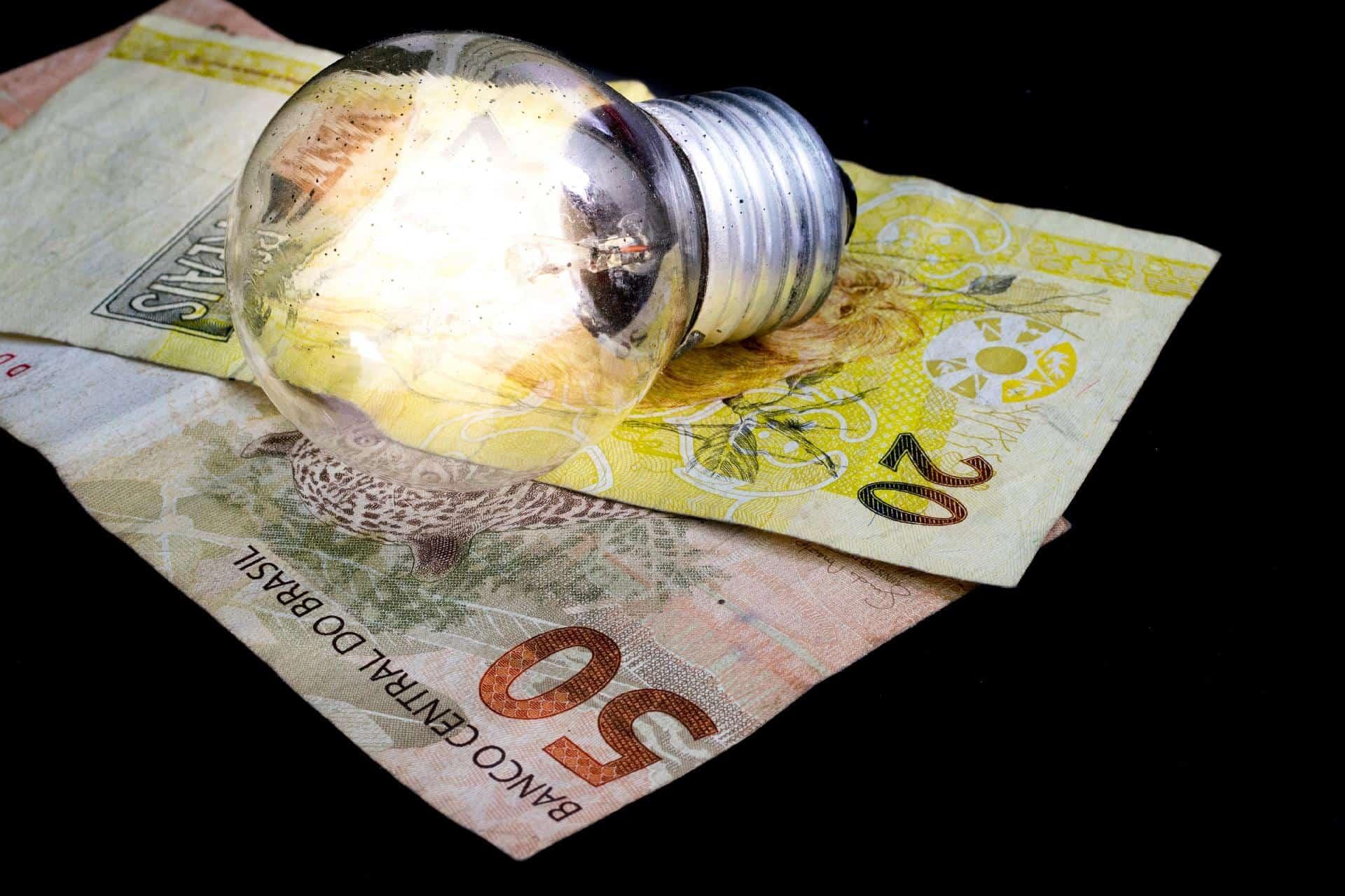 Conta de luz no Amapá surpreende com valor maior que R$1 MIL