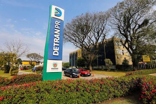 Detran-PR publica decreto autorizando retorno de cursos de capacitação
