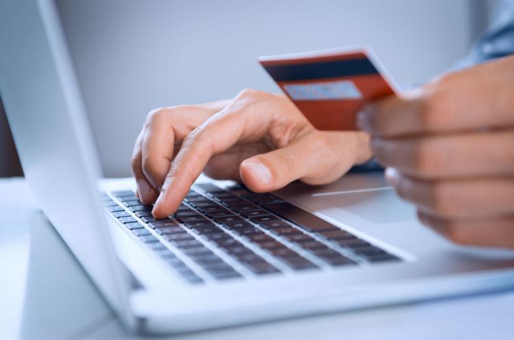 Conheça formas de comprar pela internet sem precisar de cartão de crédito