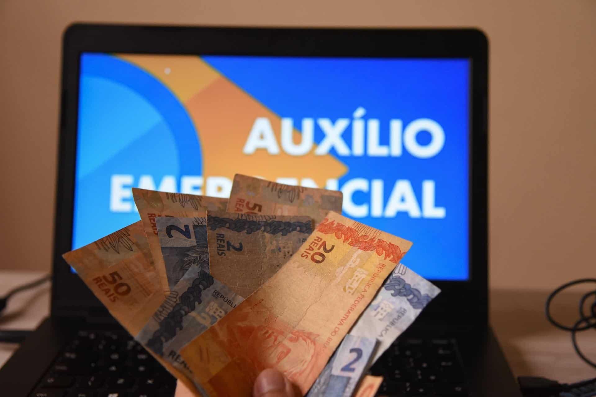 Auxílio emergencial faz pagamento para 5,3 milhões de pessoas HOJE!