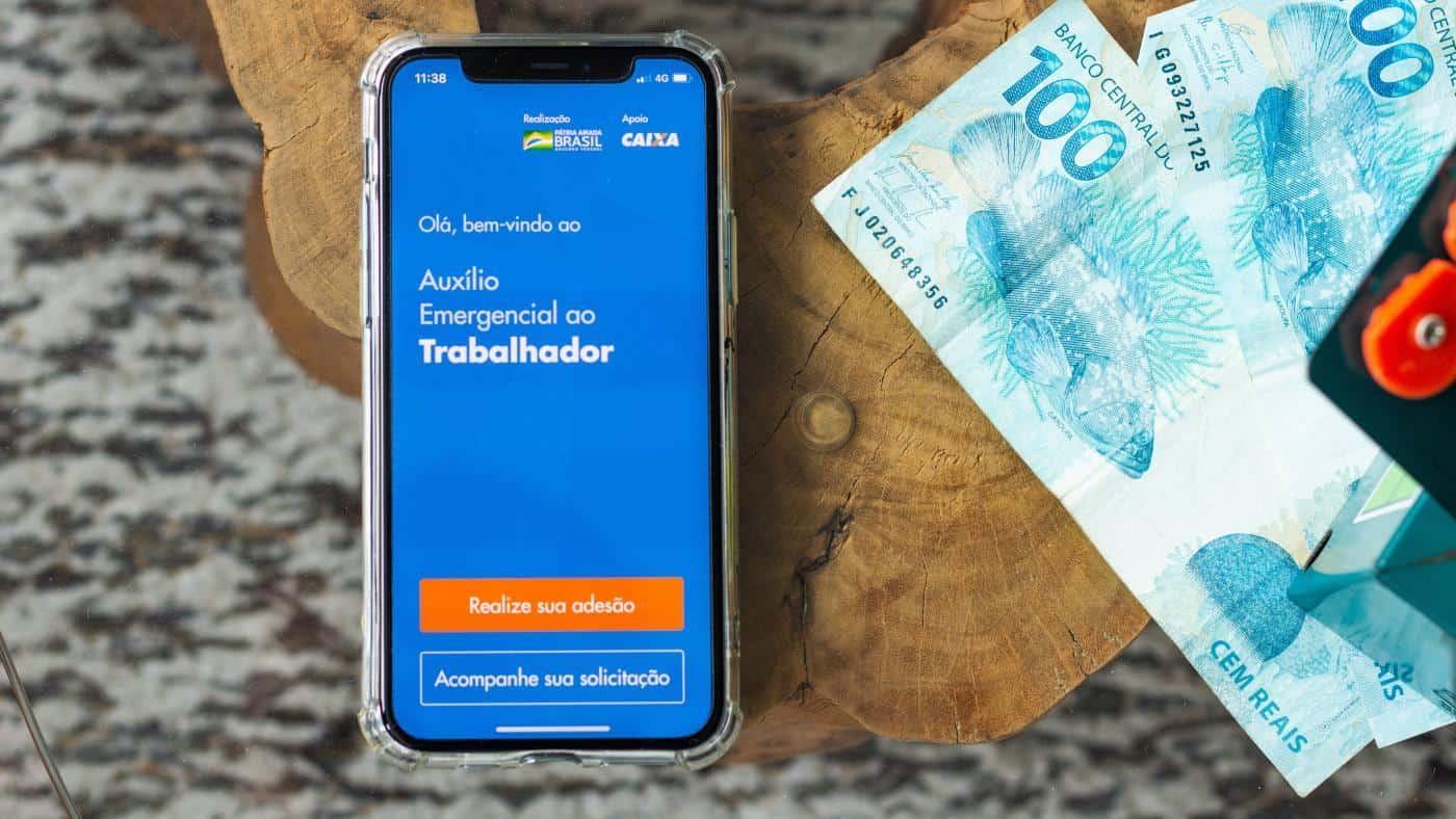 Auxílio emergencial: Nascidos em janeiro receberão da 1ª a 5ª parcela de R$600 hoje! (Imagem: Google)