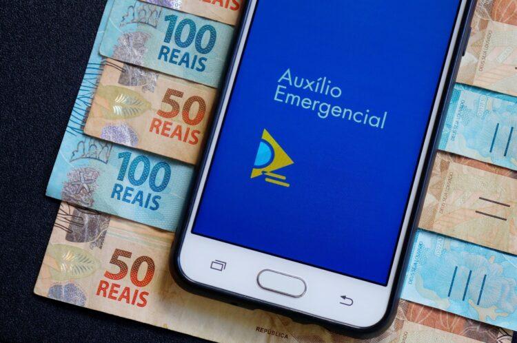 Auxílio emergencial de R$300 NÃO tem calendário para inscritos fora do Bolsa Família