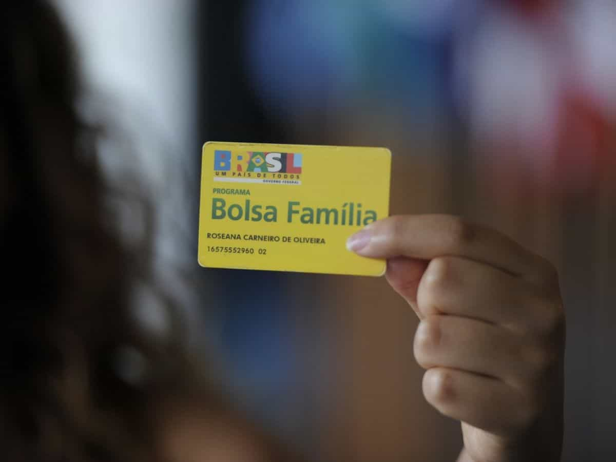 PL cria valor EXTRA ao salário do Bolsa Família nos casos específicos; confira (Imagem: Google)