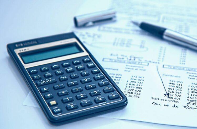 Descubra como conseguir mais controle financeiro durante a vida