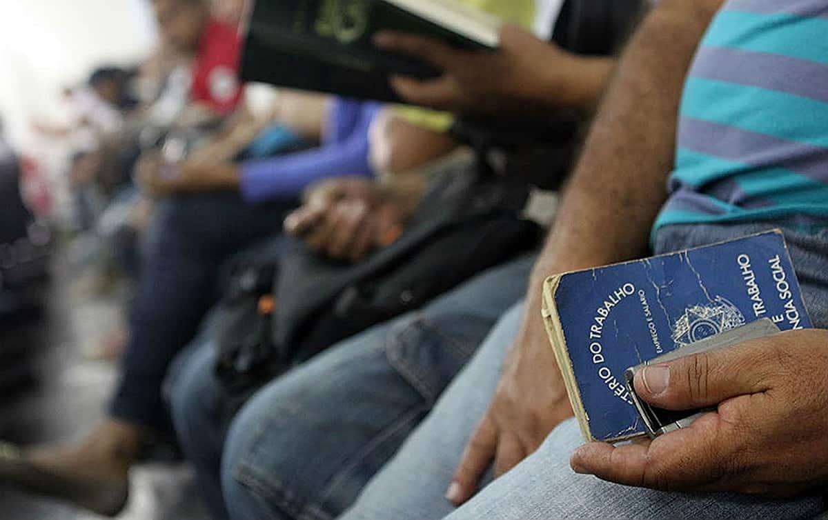 Desemprego: Índice de brasileiros desocupados cresce 27% em quatro meses