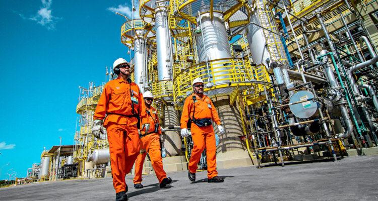 Demissões na Petrobras atingirão 11 mil funcionários até 2021