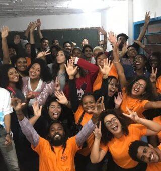 Cursinho pré vestibular no RJ pede doação de livros para projeto social