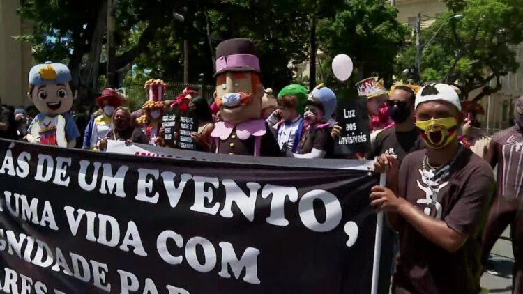 Profissionais de eventos fazem manifestação pedindo volta do setor em Pernambuco