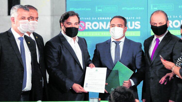 Flexibilização da estabilidade de funcionários públicos é defendida pela maioria dos brasileiros