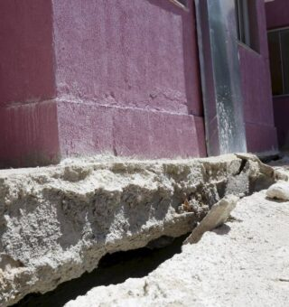 Moradores de Niterói sofrem sem previsão para entrega do Minha Casa Minha Vida