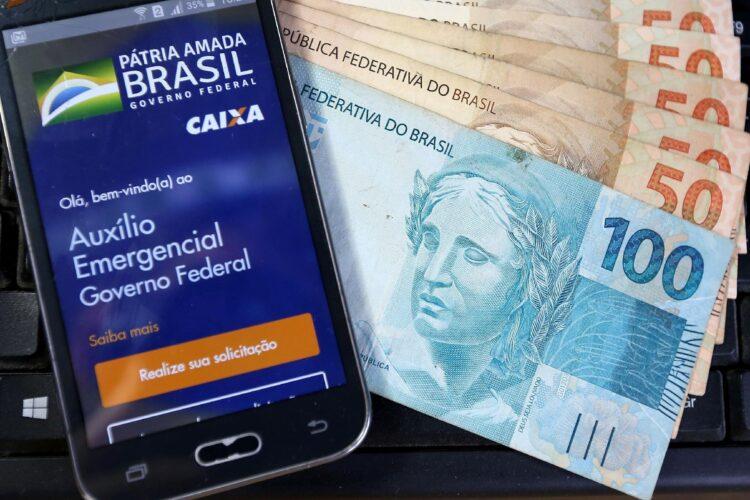 Por que apenas o Amapá poderá ter o auxílio emergencial prorrogado em 2021?