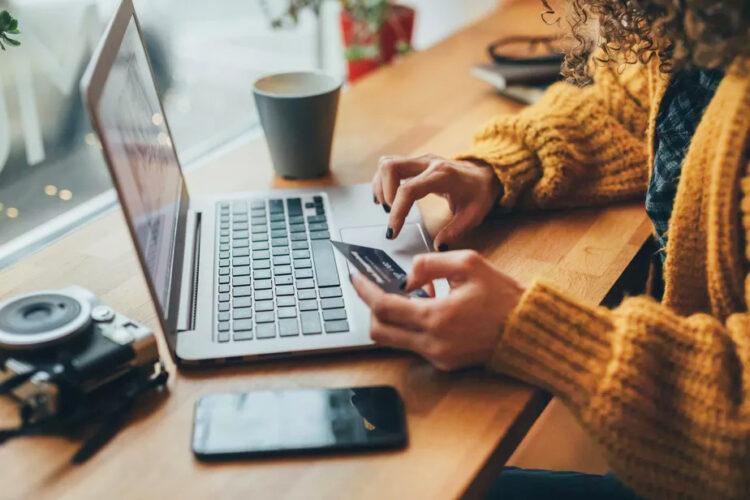 Black Friday: Vendas pela internet devem continuar em alta e subir 27% neste ano