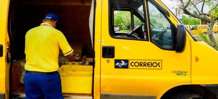 Correios: Projeto de privatização da estatal chega ao presidente Jair Bolsonaro