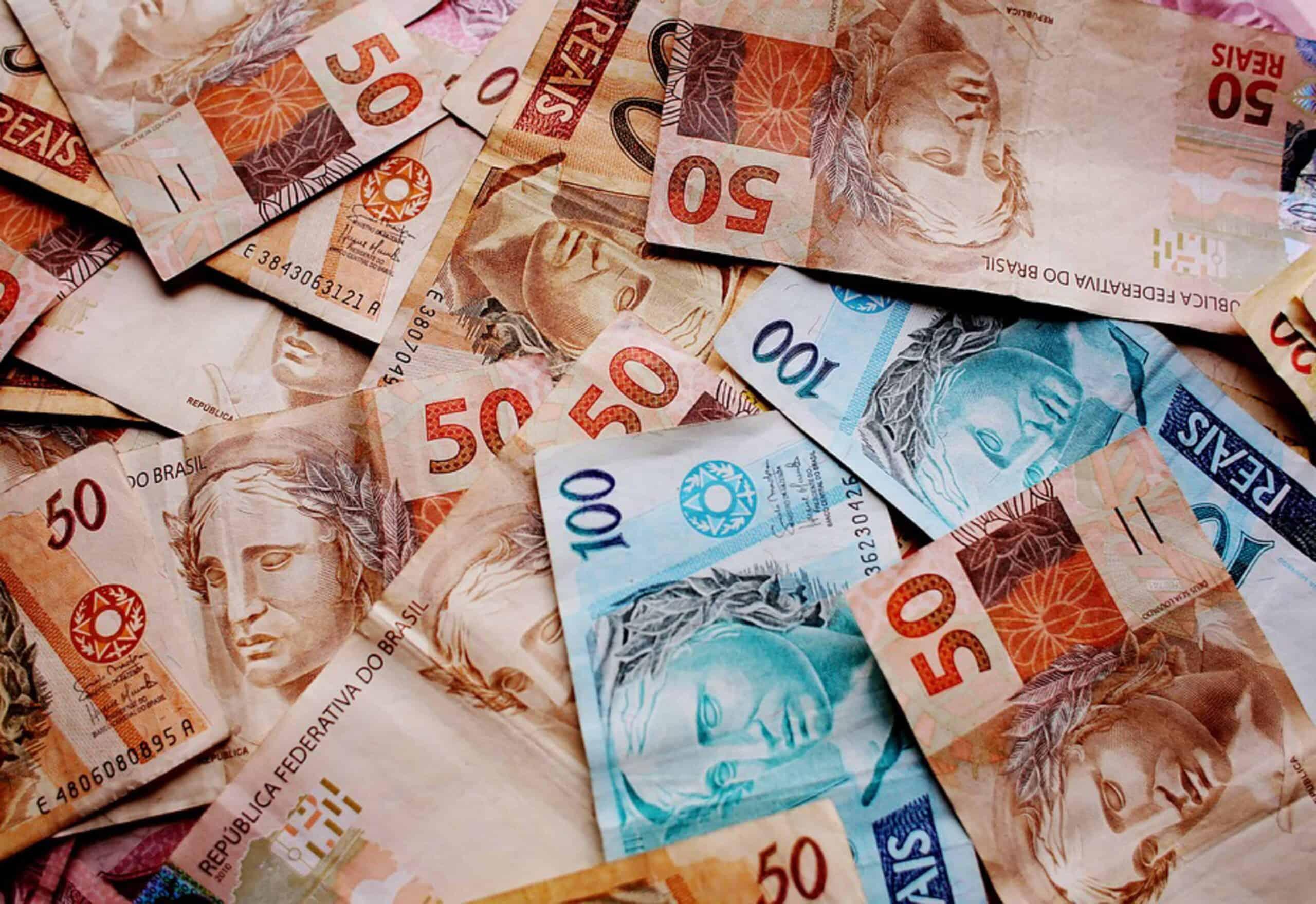 13° salário, INSS e fundo de garantia: TUDO o que muda com o corte no seu salário (Imagem: Google)
